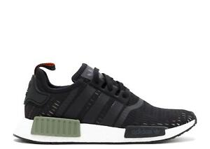 the latest b5d80 9018d Chargement de l image Mens-ADIDAS-NMD-R1-Running-Trainers-BB1357