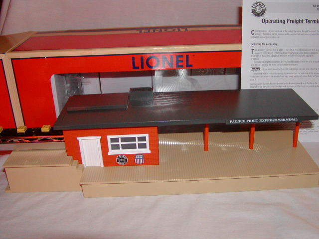Lionel 6-37975 Operating Southern Pacific Freight Terminal New MIB 2012 UP