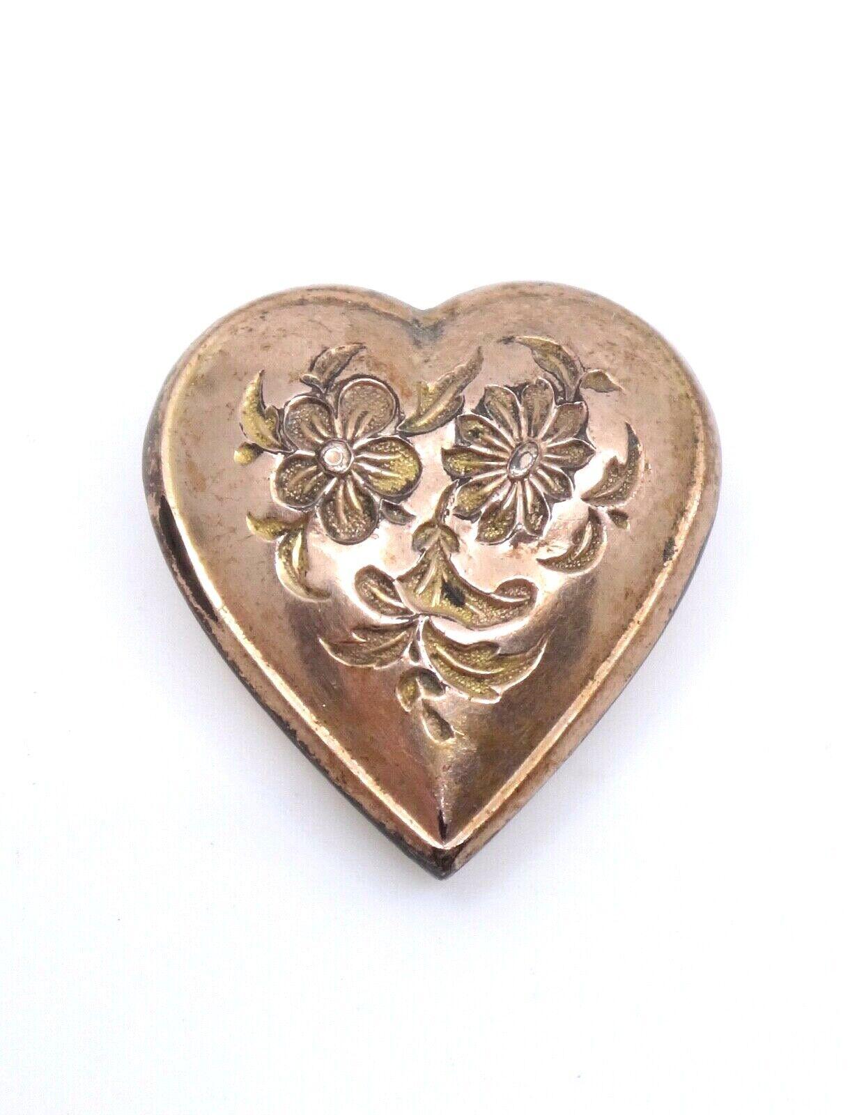 Ancien coulant de croix Jeannette forme coeur ciselé plaqué or XIXeme