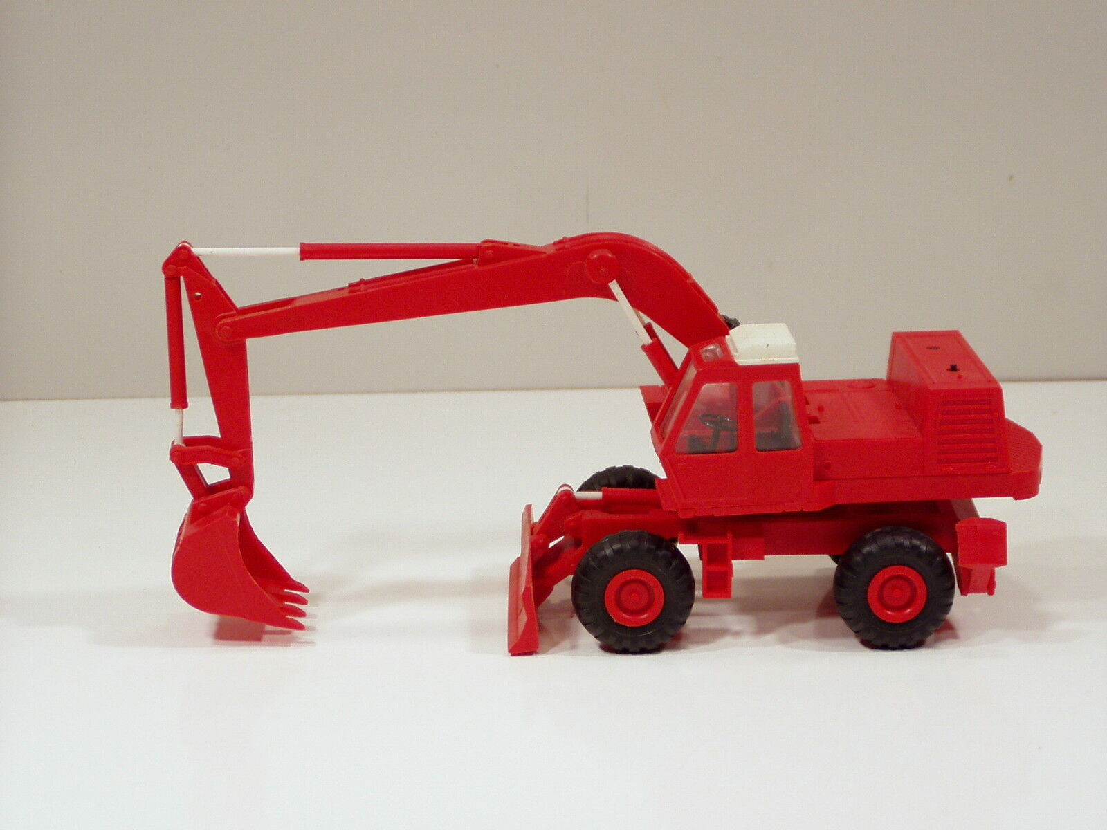 O&K Excavator - 1 43 - Plastic - Atek - Russia - No Box