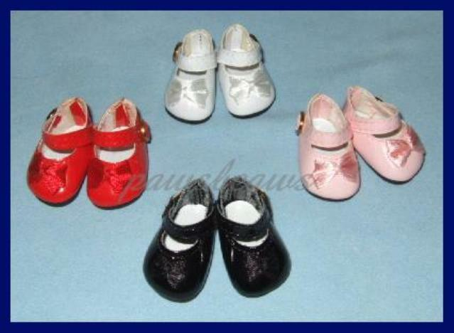 "Doll Shoes 37mm Lt Cream Heart Cut for *Bleuette 12/""Shirley T"