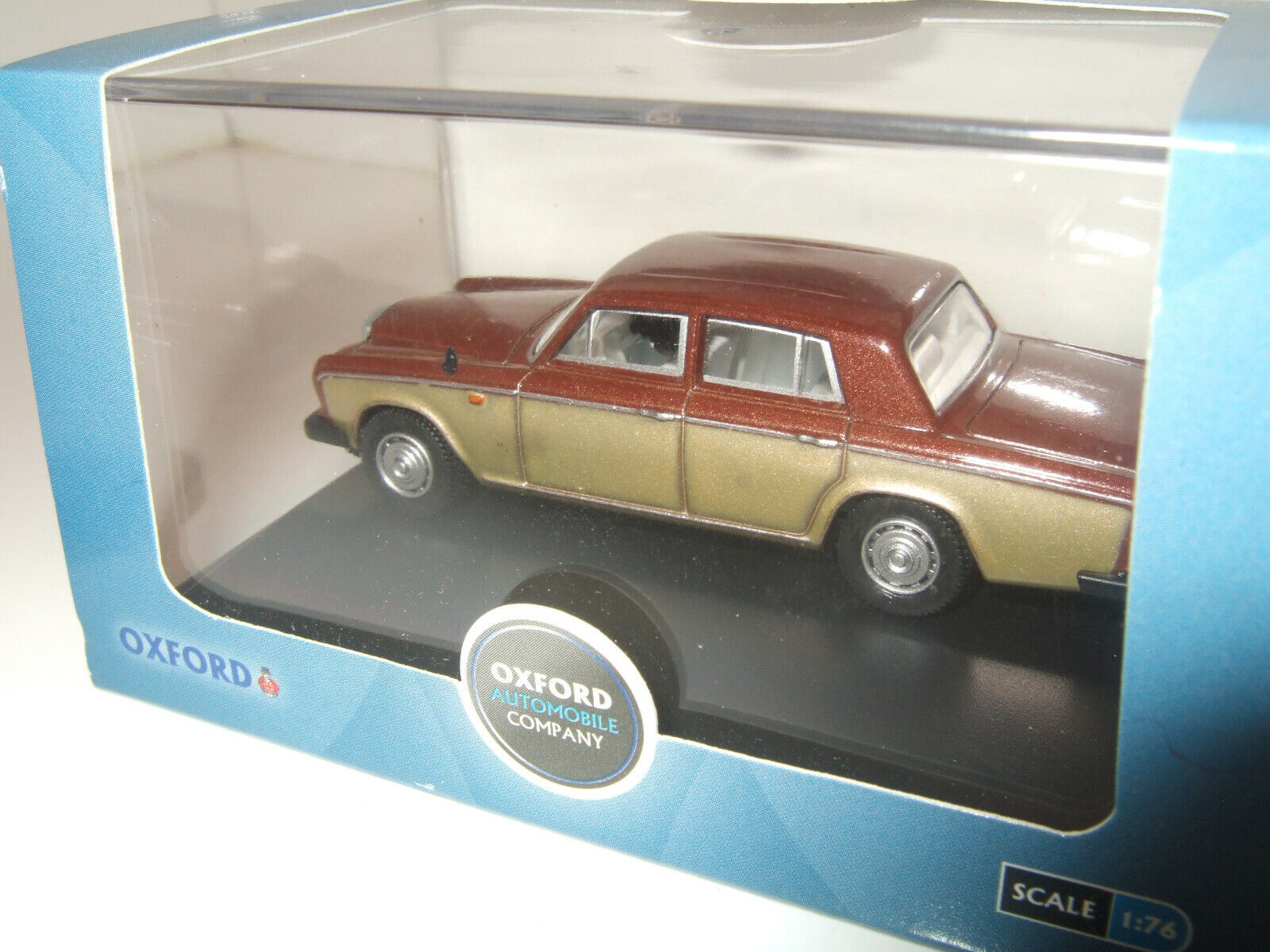 in 1:76 scale OO Gauge Oxford Diecast mainly Cars inc Scimitar Jensen,XR3i