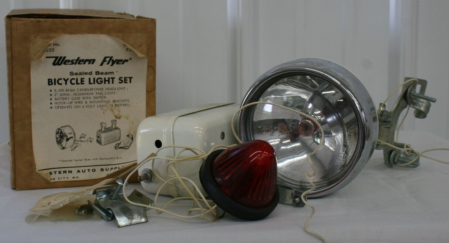 VINTAGE WESTERN FLYER SEALED BEAM HEAD LIGHT &  TAIL LIGHT WITH ORIGINAL BOX  lightning delivery