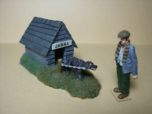 2   FIGURINES   SET  140  CHIEN  MECHANT   VROOM  1/43  A  PEINDRE