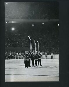 Original Rangers Skating On Madison Square Garden Ice Old Timers Day Press Photo Ebay