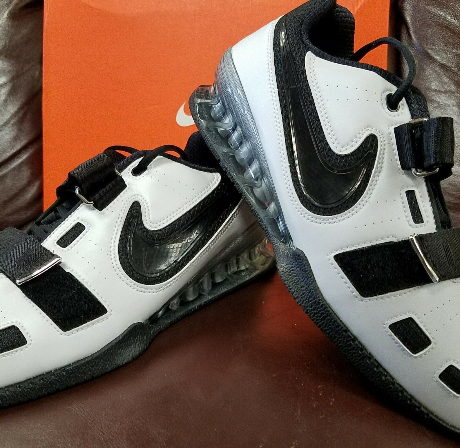 BRAND NEW IN BOX NIKE ROMALEOS 2 MENS WEIGHTLIFTING SHOES WHITE BLACK SWOOSH 101