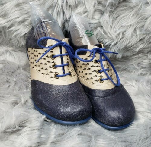 John Fluevog Kitten Heel Shoes Sz 8.5