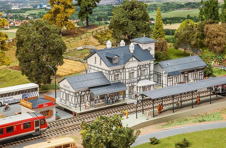 Faller HO 190060 Aktions-Set  Bahnhof Radebusch   NEU in OVP   | Quality First