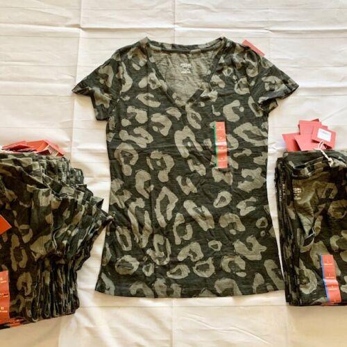 XS-XXL Olive Green Cheetah Print V-Neck T-Shirt NWT Women/'s Mossimo Supply Co