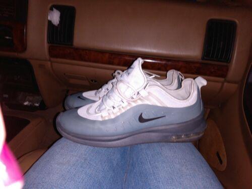 Nike shoes men size 8 Used