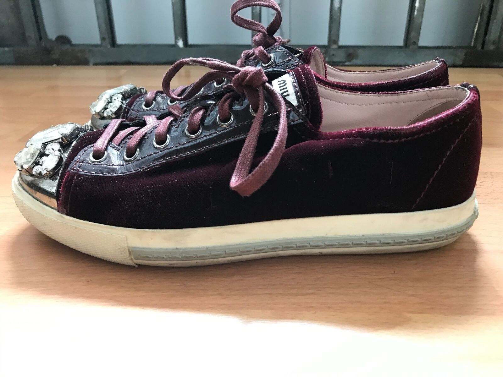 MIU MIU Embelished Bordeaux Velvet baskets 37,5 37,5 37,5 e1fa3f