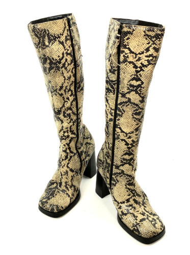 Vintage 90s Y2K 00s Boots Snakeskin Leather Square