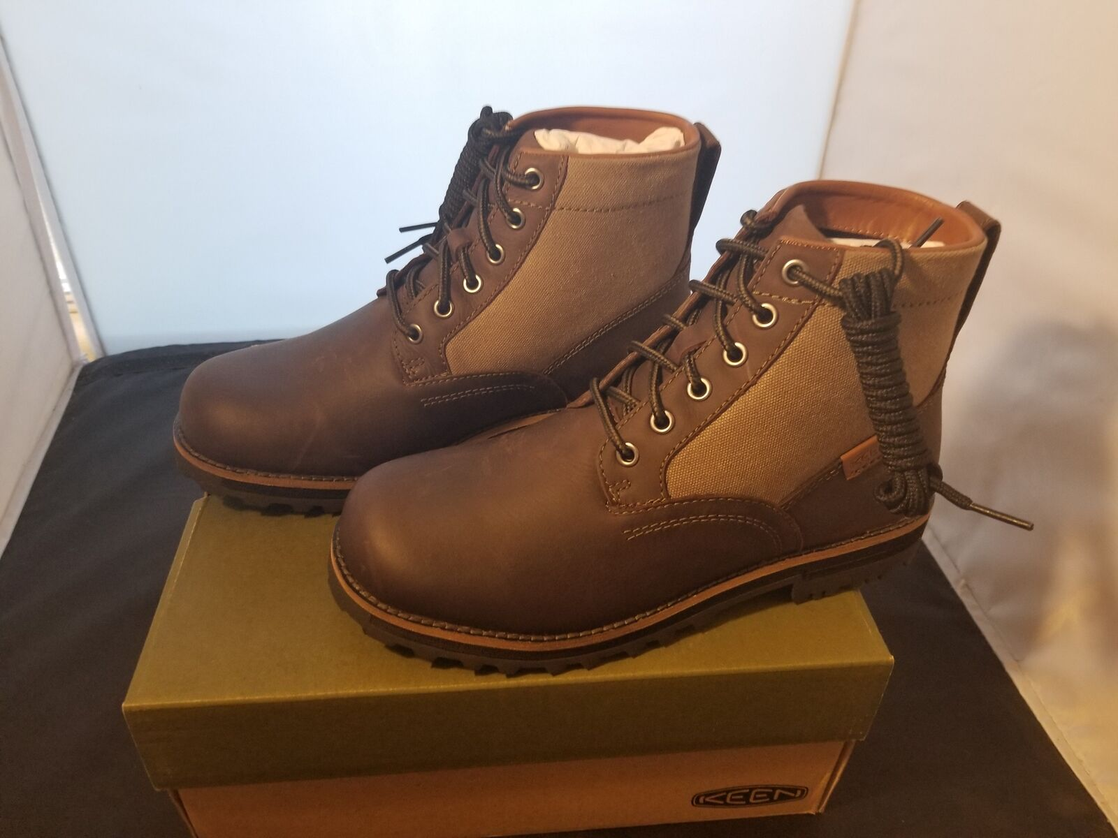 NIB Keen Boots THE 59 Dark Chocolate color Boots Size 7 US Lace Up BRAND NEW