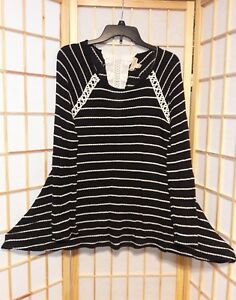 One-World-Womens-Black-White-Striped-Crochet-Collar-Flare-Hem-Blouse-Tunic-Top-M