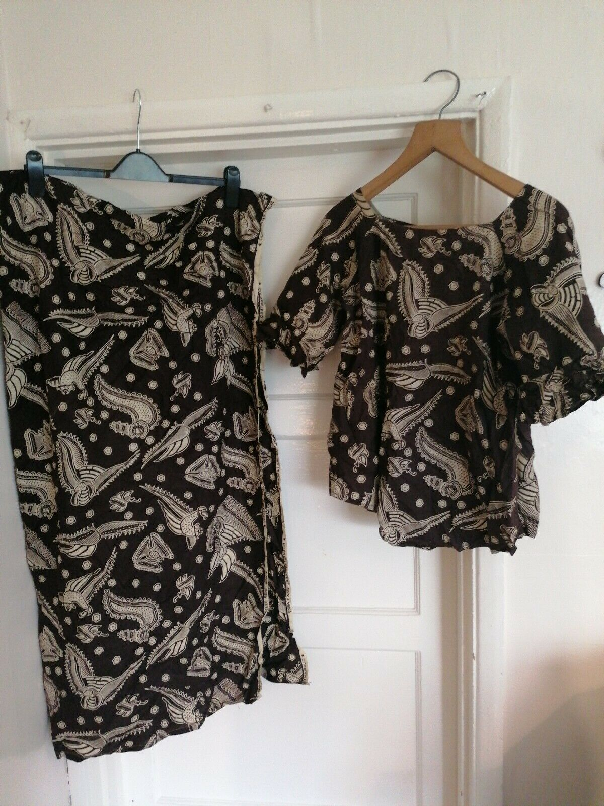 Nigerian / African 3 Piece Ladies Suit / Outfit. Skirt, Blouse And Scarf Size 10