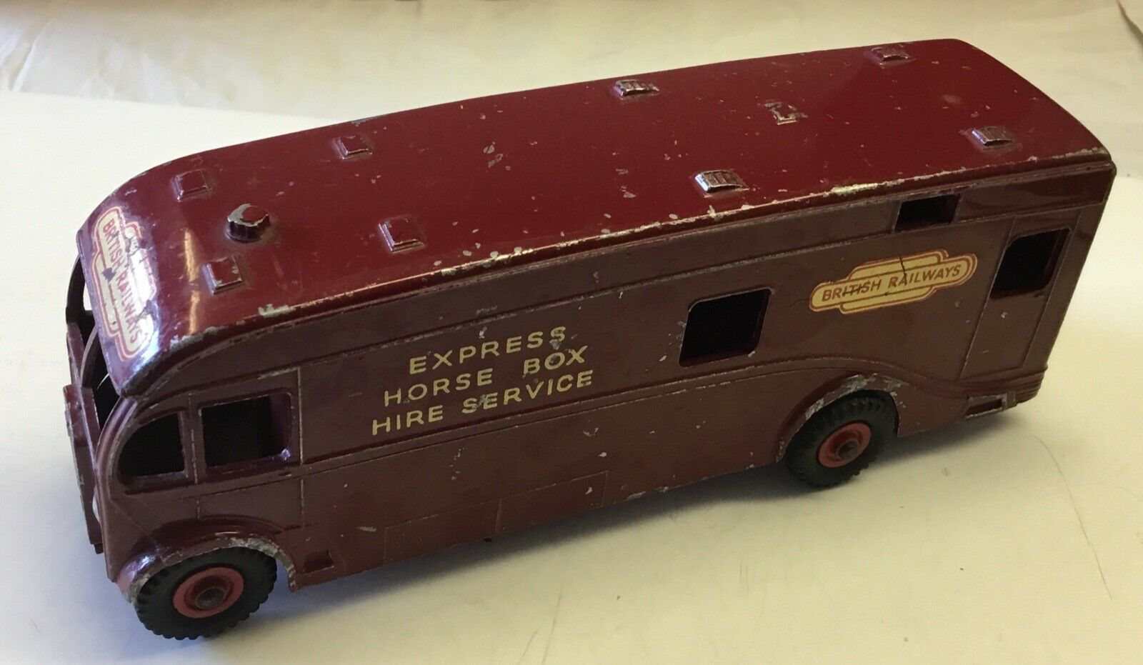 DINKY TOYS 981 BRITISH RAILWAYS EXPRESS HORSE BOX .SOUND, ORIGINAL  MILD WEAR