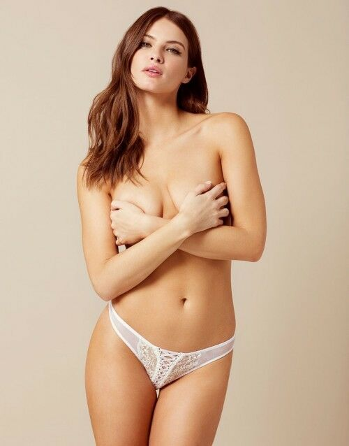 AGENT PROVOCATEUR OONA WHITE THONG SIZE MEDIUM 10-12 AP3 BNWT
