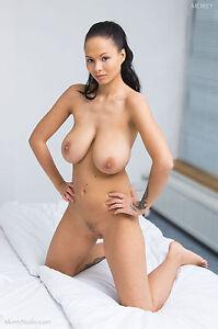 model Domino nude morey