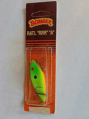 Old Stock Bomber Ratl RRR A  Fishing Lure Chrome Blue Pink