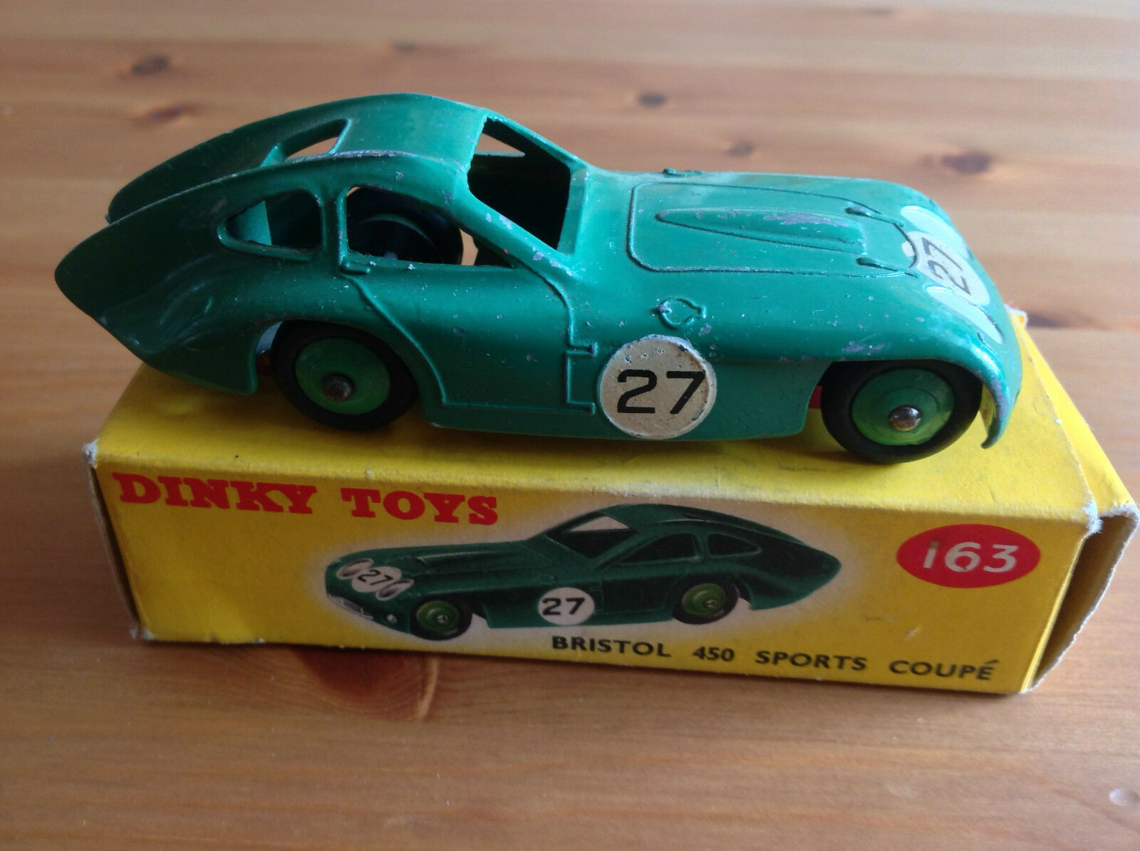 DINKY 143 BRISTOL 450 SPORTS COUPE ORIGINAL AND BOXED