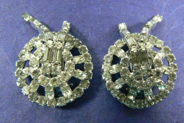 Vintage Silver Tone Clear Crystal Round Rhinestone clip on Earrings