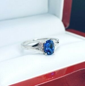 10K-White-Gold-Blue-Sapphire-Cocktail-Ring-D313