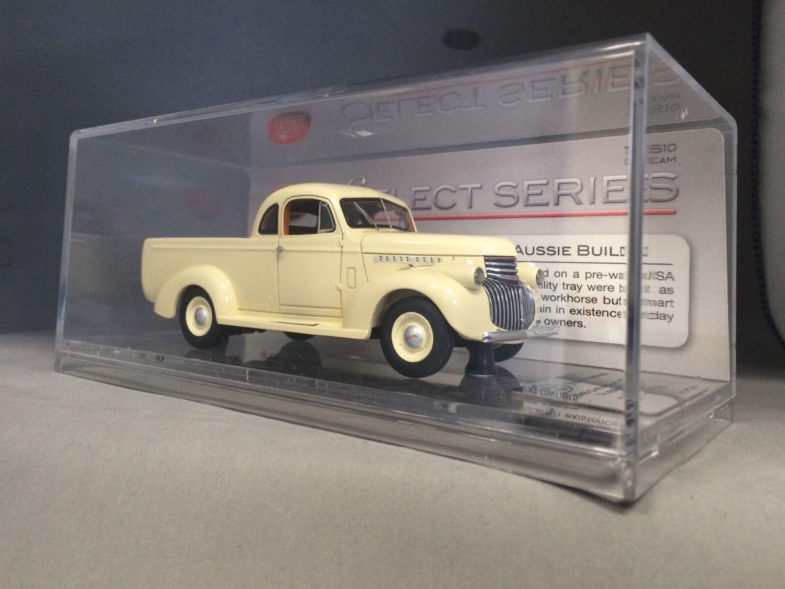 1  43 TRAX TSS10 1946 Chevrolet Ute Cream - begränsad upplaga