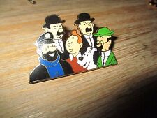 Vente Hergé-Big pin s-Tintin&sa famille-Estampillé Hergé-Zamac couleur