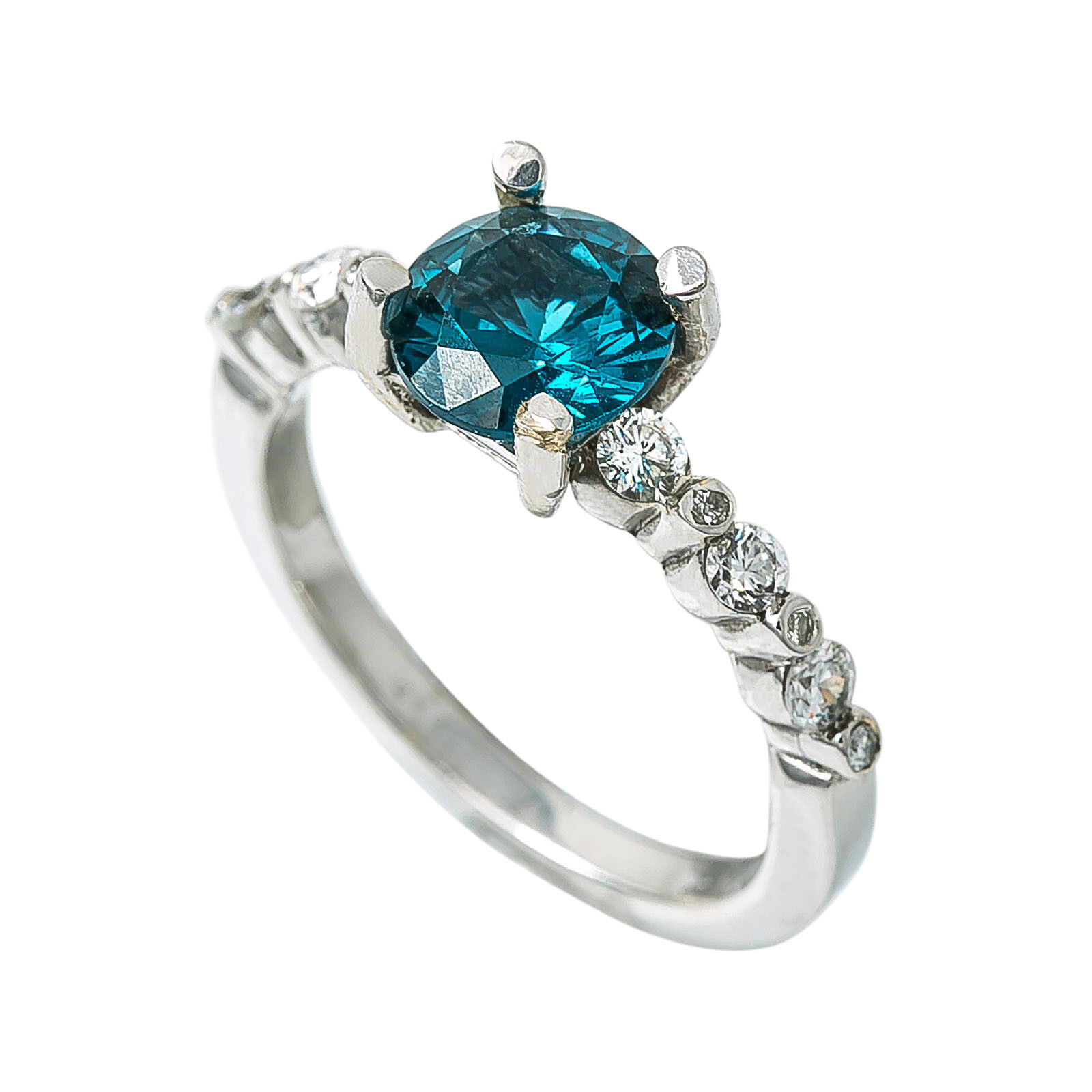 14K White gold 0.80 Ct Diamond Man made bluee Sapphire Ring 3.2 Grams Size 6.75