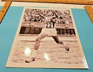 Billy-Mills-Track-and-Field-Athlete-Photo-8-034-x-10-034-Kansas-Jayhawks