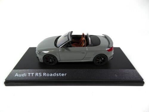 Audi TT RS Roadster Nardo Grey 1:43 iScale Dealer Pack Modellauto Miniatur 10531