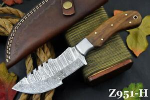 Custom Damascus Steel Tracker Hunting Knife Handmade With Walnut Handle (Z951-H)
