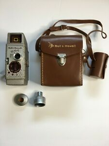 Vintage-Bell-amp-Howell-Two-Twenty-8mm-Movie-Film-Video-Camera-WINDS-AND-RUNS