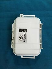 Pelican i1010 Waterproof Case for iPod and Phones (White)