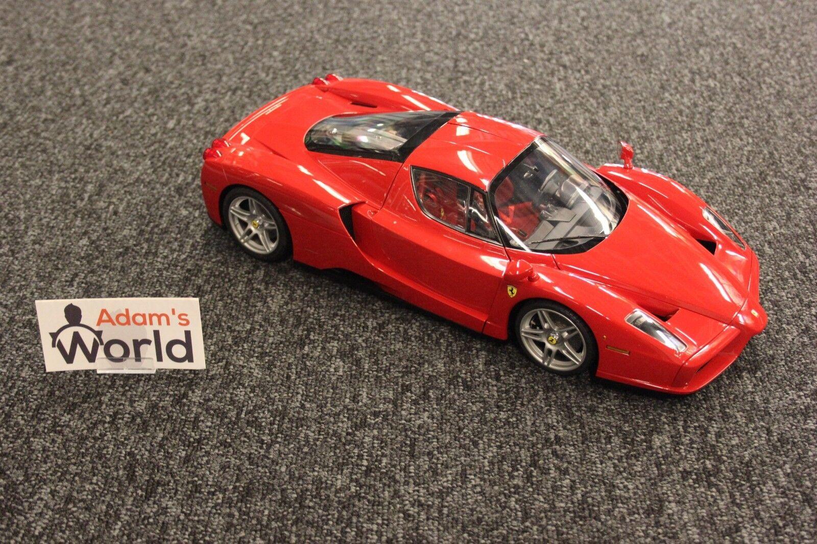 Tamiya  built  Ferrari Enzo 1:12 rosso + original Tamiya showcase + original box 2