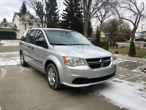 2011 Dodge Grand Caravan V6 Minivan, Van