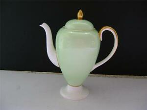 Pretty Vintage Coffee Pot by Wedgwood - Lockerbie, United Kingdom - Pretty Vintage Coffee Pot by Wedgwood - Lockerbie, United Kingdom