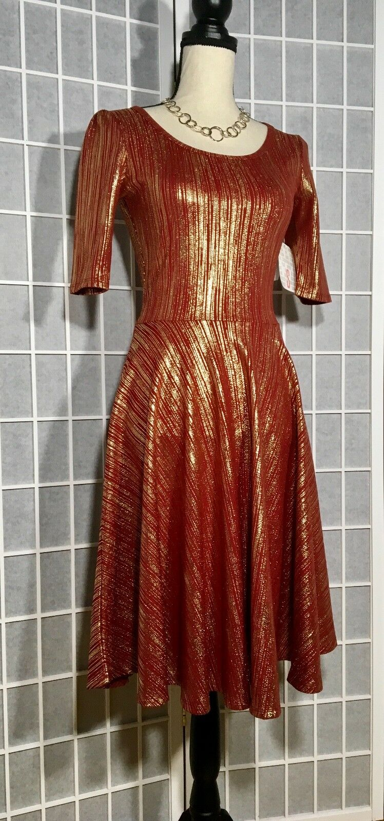 Lularoe NWT Elegant Collection Nicole Holiday Dress Metallic Gold rot Sz Small S