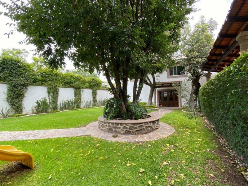 Se Renta Casa Residencial En El Centro En San Juan Del Río