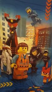 THE LEGO MOVIE with Emmet & Friends Full Size Plush Blanket euc