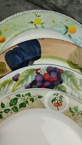 4-Vtg-Mismatched-Festive-Stoneware-Dinner-Plates-DPAF