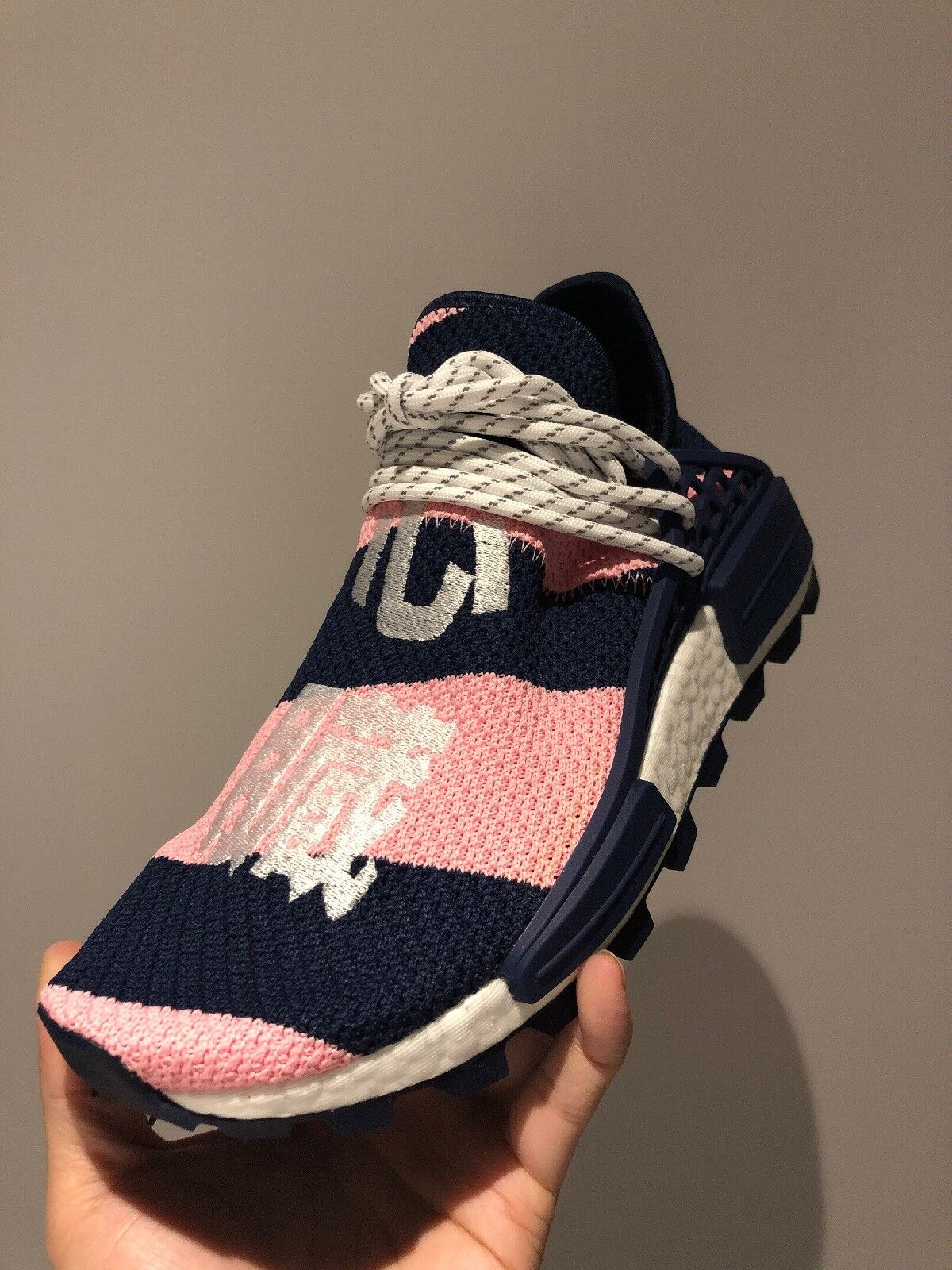 Pharrell Williams x adidas NMD Hu BBC G26277 UK7 US7.5 EU40 2 3 Pink Navy