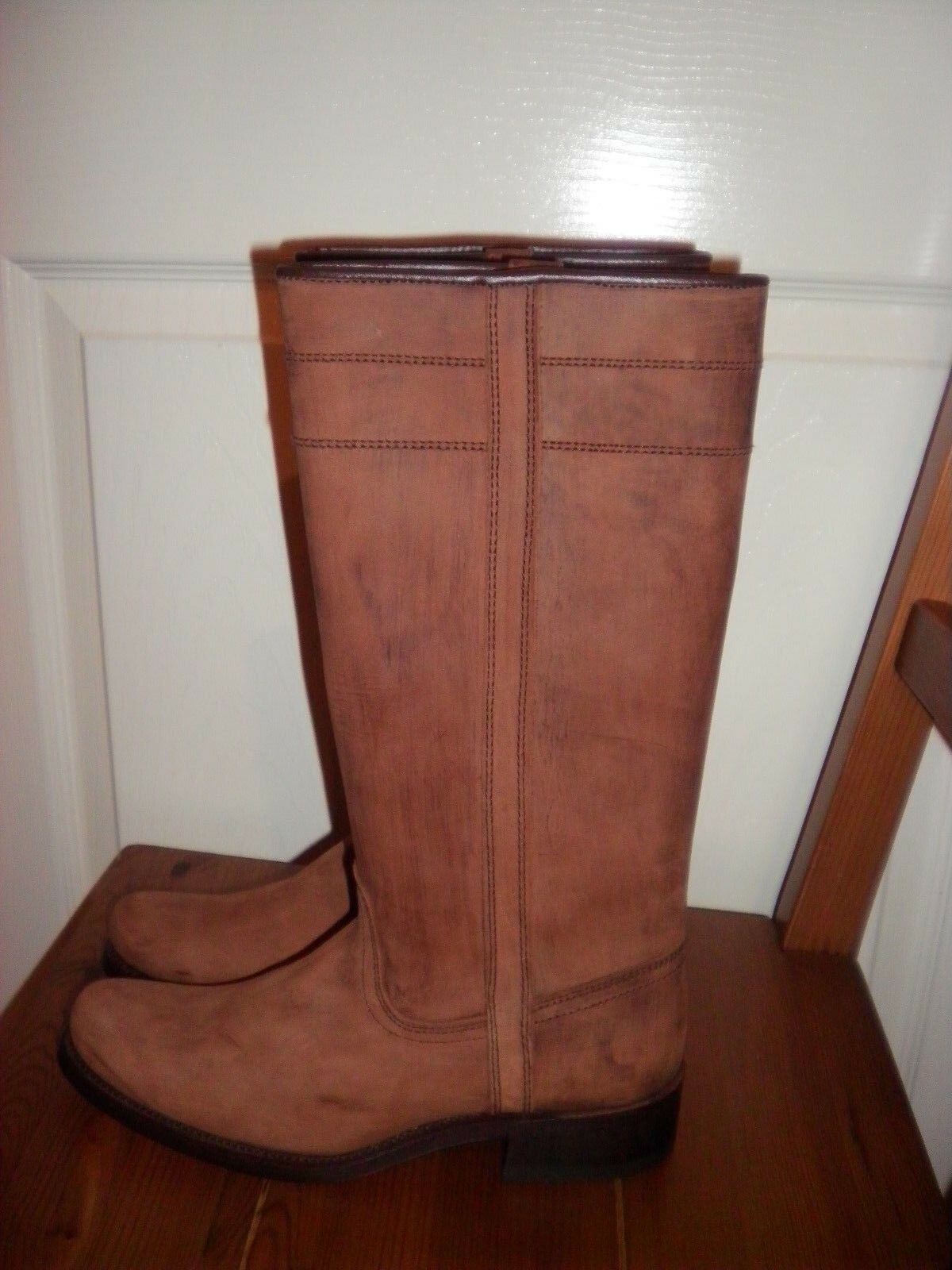 CAMPEROS GENUINE LEATHER  BOOTS BRAND NEW SIZE