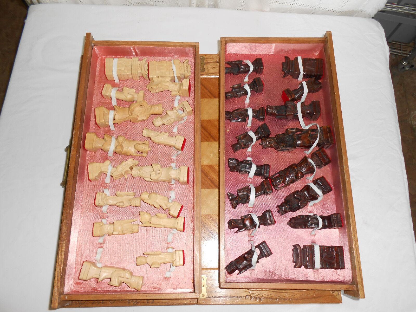 Madera Tallada Mano asiática juego de ajedrez, 32 piezas, Board Y Estuche bonito conjunto