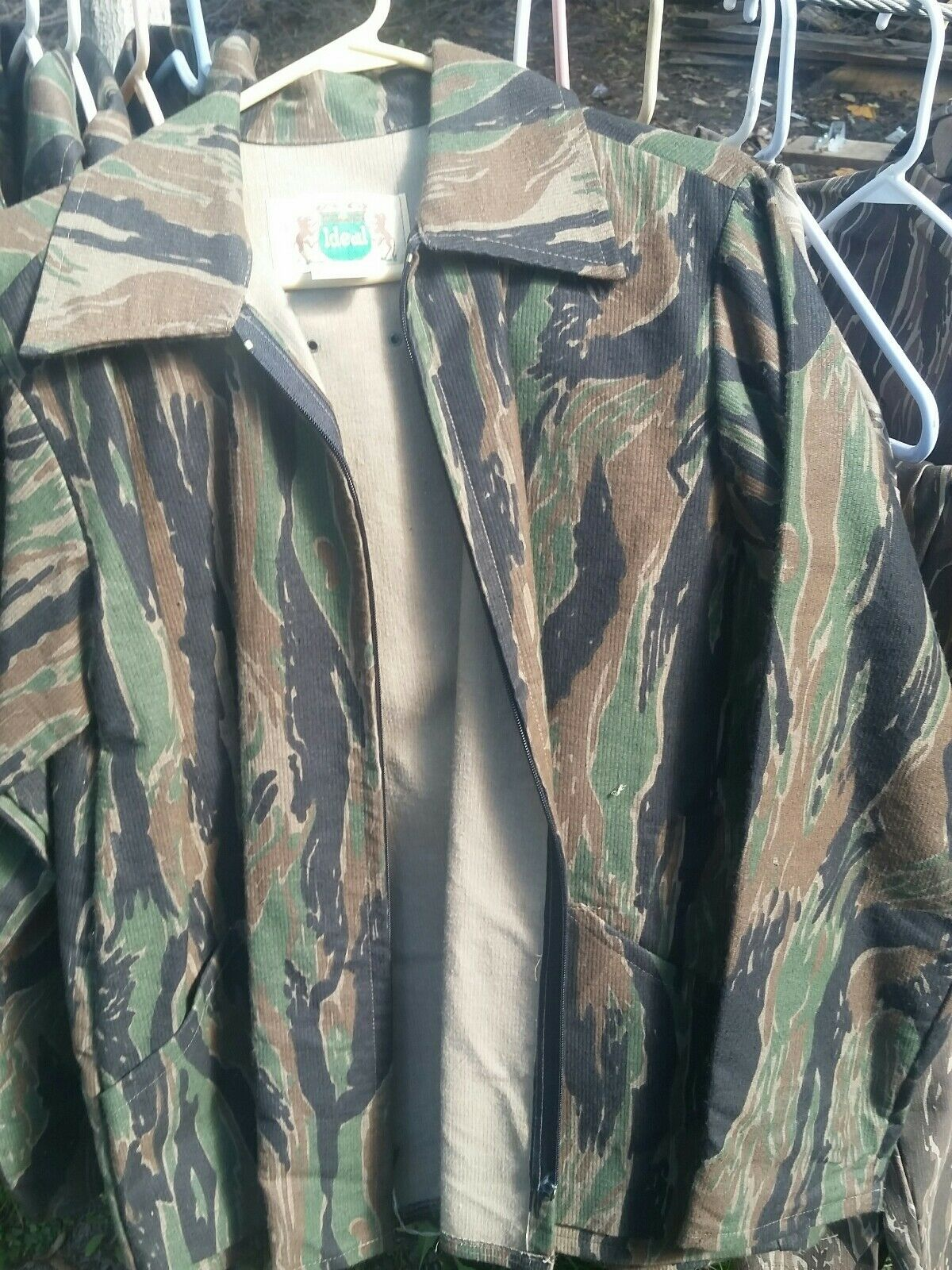 Vtg. Ideal  Tiger stripe late camouflage Coat Mens L size 40-42. NWOT  all products get up to 34% off