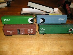HO-TRAIN-LOT-CNCP-5-5-ROUNDHOUSE-TYCO-FREIGHT-CARS