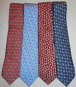 NWT Vineyard Vines 100/% Silk Necktie Truck /& Tree Christmas Tie  $85 Mens