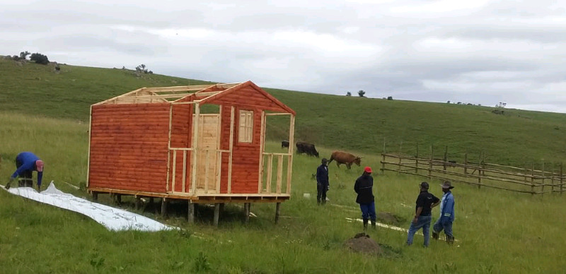 We building all sizes of wendy house for special price