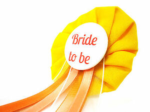 Orden-Bride-to-be-JGA-gelb-orange-Deko-AnneSvea-Anstecker-Button-Hochzeit-Braut