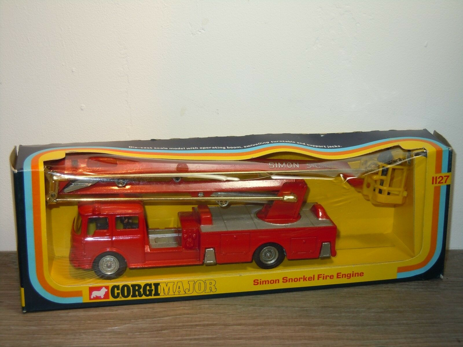 Simon Snorkel Fire Engine - Corgi Major Toys Toys Toys 1127 England in Box 34616 d4f395